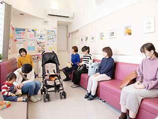 一木医院(一木皮膚科、いちきひふか)福岡市博多区の皮膚科専門医は様々な年齢層の方々が来院されます